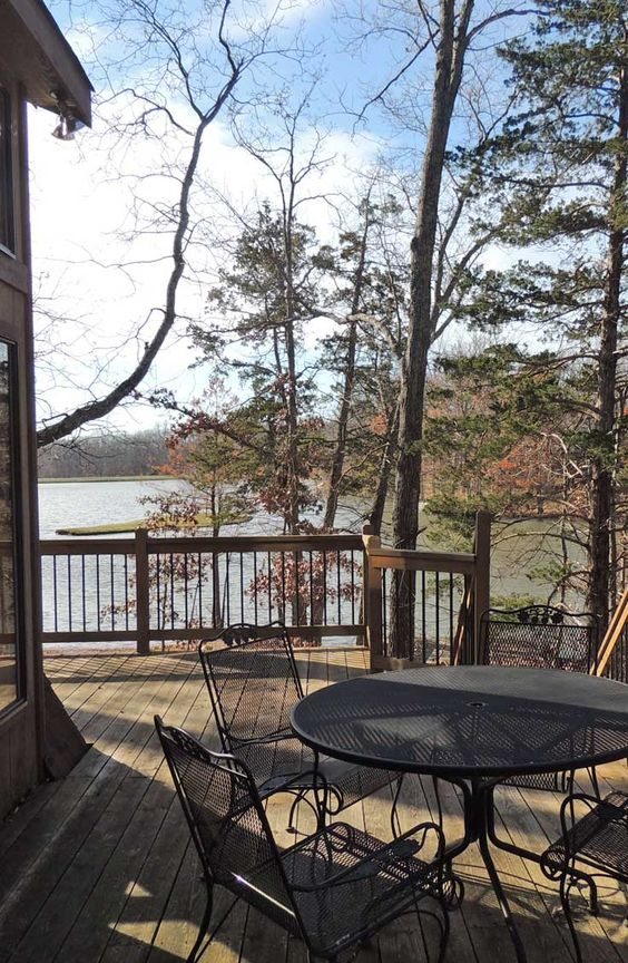 Spectacular private chalet on 2.79 acres of gorgeous hardwoods, level lot, incredible views. 2627 Grendel Dr. http://www.innsbrook-properties.com/property/mo/innsbrook/63390/innsbrook/2627-grendel-drive/547d5b2b03781574ea0000f2/