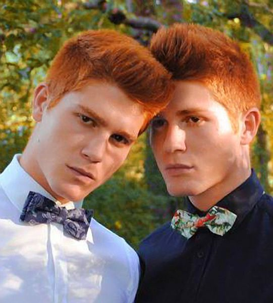 Füße und naked red headed twins Slayed!
