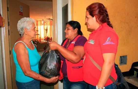 Los Clap han entregado alimentos a 19 mil comunidades del país https://t.co/7dEhQpYjbE #Venezuela