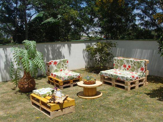 Conjunto de sofás com Pallet (Foto: Divulgação) Gostou? Clique na imagem e confira dicas de decoração com pallet!: