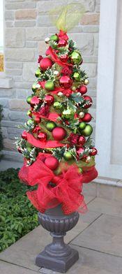 Tomato Cage Christmas Tree: Tutorial on Site