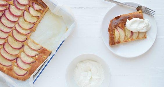 plaatcake met perzik en hüttenkäse