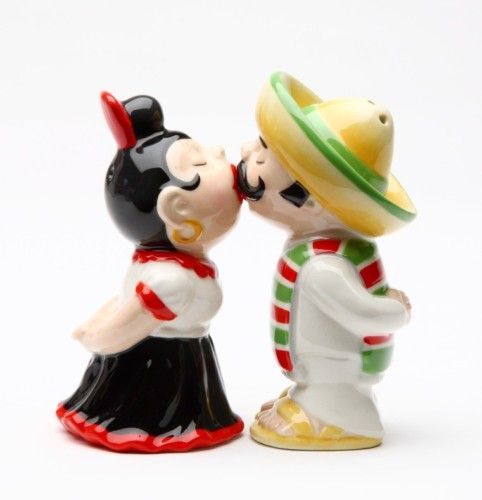 LATINOS TRADITIONAL COUPLE SALT PEPPER SHAKERS MAGNETIC | eBay