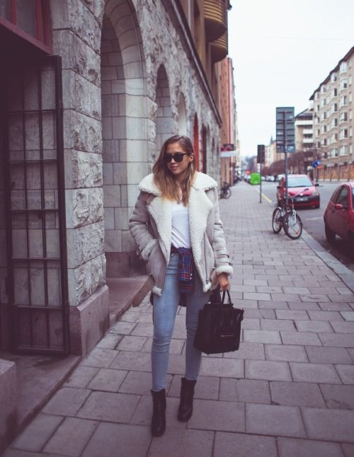 What I'd Wear : The Outfit Database  (source : Kenzas )