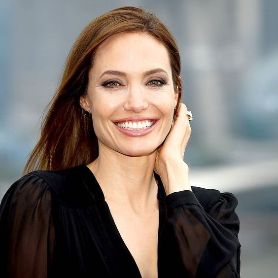 Make bold choices and make mistakes. It's all those things that add up to the person you become  Angelina Jolie #changeling #girlinterrupted #tombraider #maleficent  Existem muitas maneiras de ver Filmes. Visite agora o blog Mundo de Cinema emhttp://ift.tt/1L84YS8