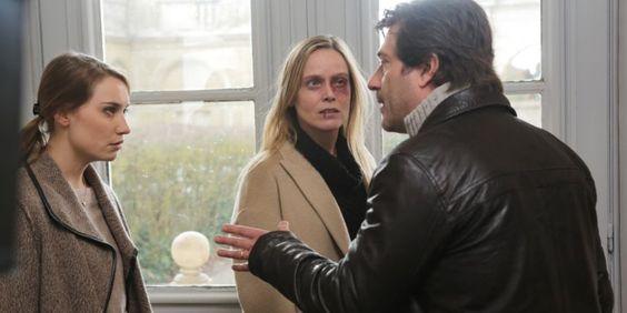 Dans ''C'est pas de l'amour'', Laëtitia (Marie Guillard) tente d'aider Hélène (Déborah François), victime de violences conjugales qui vit dans le déni.