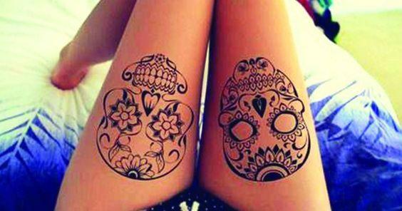 En el pasado era mucho más común que los hombres se tatuaran antes que las mujeres, ahora los tatuajes se utilizan en ambos géneros por igual, por otro lado también se decía que las mujeres solo podían tener tatuajes femeninos como rosas, moño