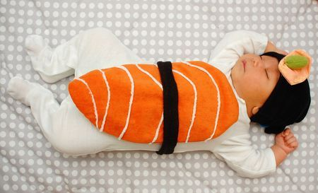 I am totally going to make this costume for the baby