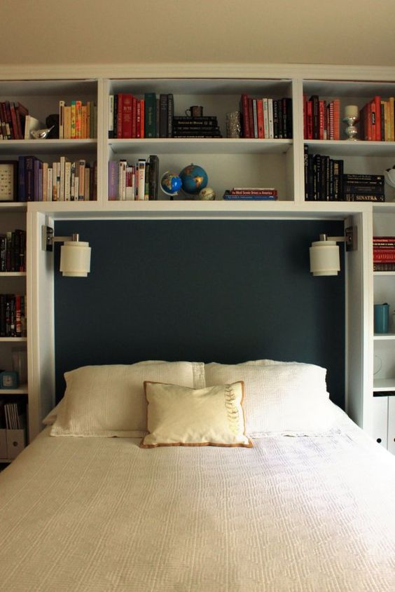 Beautiful Re Do Of Built In Shelves In A Guest Room Www