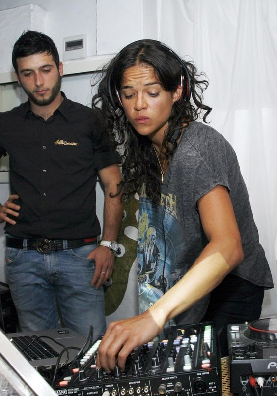 Michelle Rodriguez New Girlfriend | DJ VIP : les people se mettent aux platines ! - Marie Claire