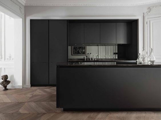 Cuisine noire contemporaine maison cuisine kitchen for Cuisine contemporaine design