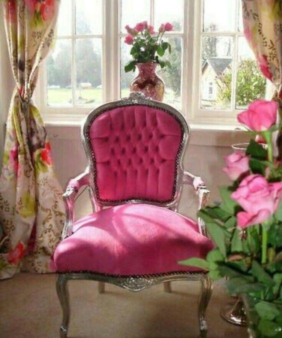 Pin Von Rapunzel Auf Wohnen Rosa Stuhle Shabby Chic Mobel Dekor