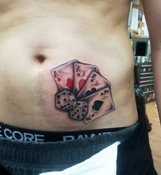cards and dice tattoos on hip tattooed pinterest karten w rfel t towierung und tattoos. Black Bedroom Furniture Sets. Home Design Ideas