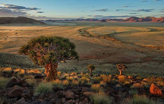 Sonnenaufgang, in einer unwahrscheinlich schönen Namibia Landschaft mit