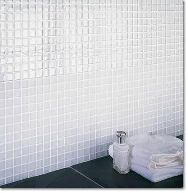 Mosaique blanche douche pinterest recherche for Mosaique salle de bain blanche