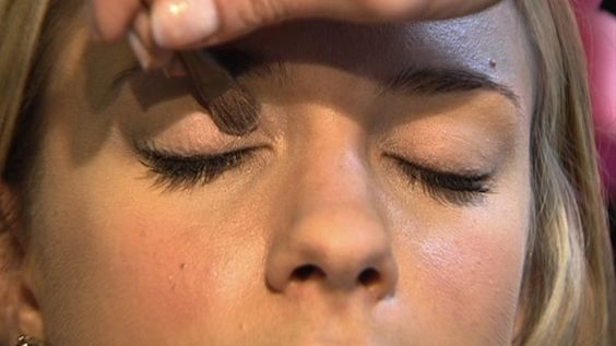DIY gel eyeliner, lash conditioner and eyelid primer - made from ingredients you already have!