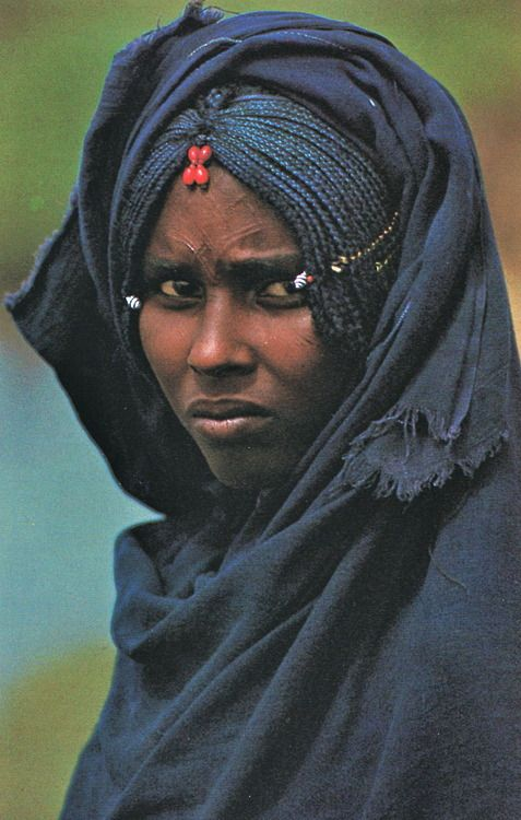 endilletante: L'Ethiopie de Roger Sauter, photographies de Roland Michaud. Editions Silva, Zurich, 1968.: