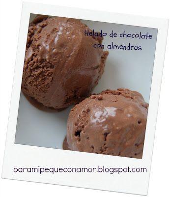 helado de chocolate con almendras