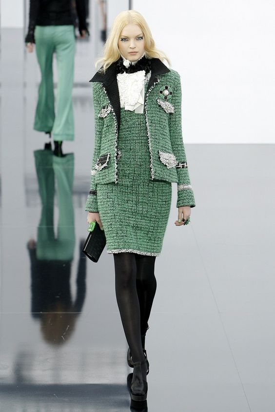 Chanel Fall 2009 Ready-to-Wear Fashion Show - Anastasija Kondratjeva