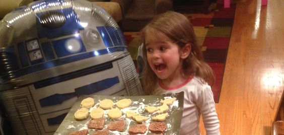 Artoo says the chances of these Star Wars sugar cookies not being delicious are 725 to 1.