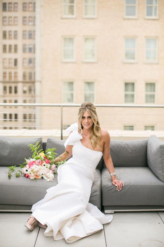 Photography: Jana Williams Photography - jana-williams.com  Read More: http://www.stylemepretty.com/2014/10/20/blogger-bride-devon-rachel-wedding/