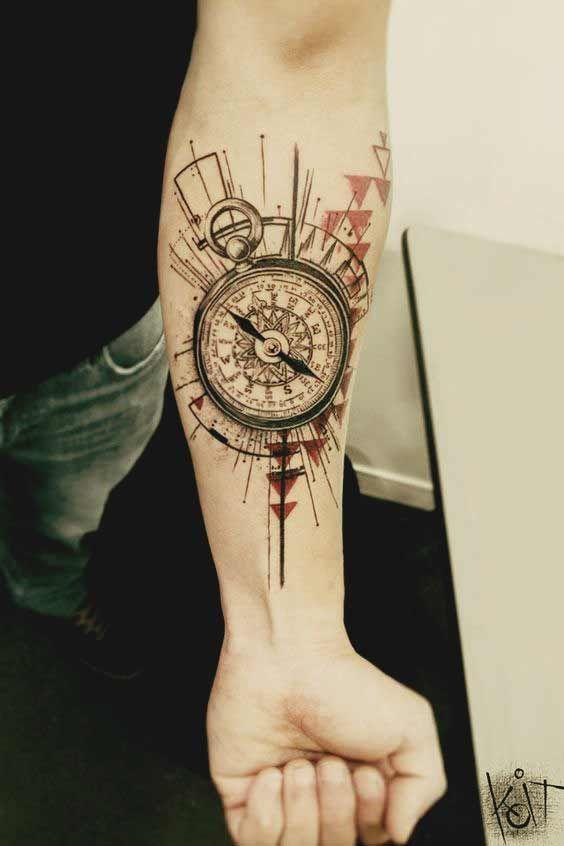 Männer tattoo arm kompass
