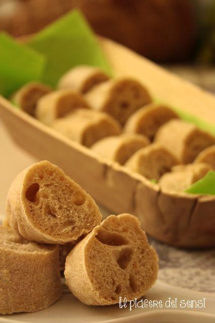 Scoprite come preparare il #pane #homeMade una #ricetta semplice e veloce  La ricetta di http://ilnuovopiaceredeisensi.altervista.org/pane-rustico-…/  In tavola nella ciotola Padiga in #fogliaDiPalma 100% #biodegradabile  http://www.ecobioshopping.it/it/18-piatti-foglia-di-palma  #piattiBiodegradabili #catering #buffet #feste #ricevimenti #evergreen #ecofriendly #agriturismo