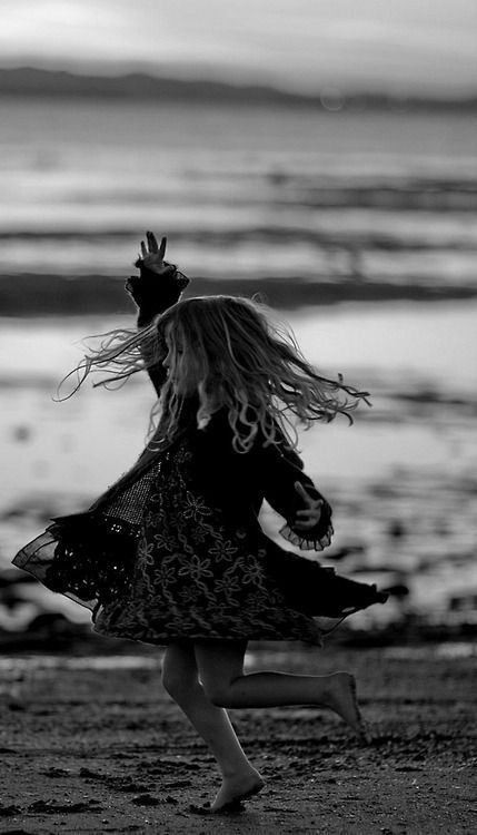 Great photo of this little girl dancing and being a free, happy spirit... - Triice - #dancing #Free #girl #Great #happy #photo #Spirit #Triice