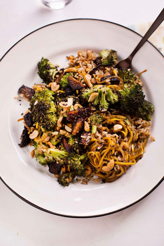 Balsamic and Fig Vegetable Stir Fry (via abeautifulmess.com):