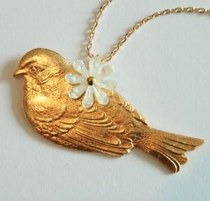 bright bird necklace