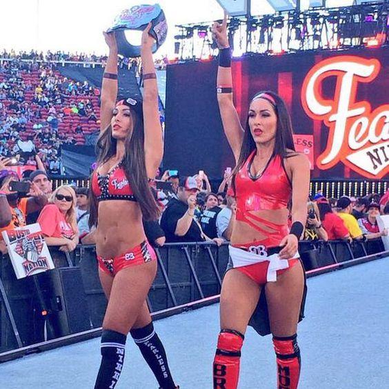 Bella Twins at wrestlemaina31