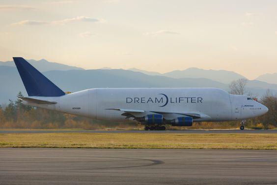 boeing dreamlifter transport