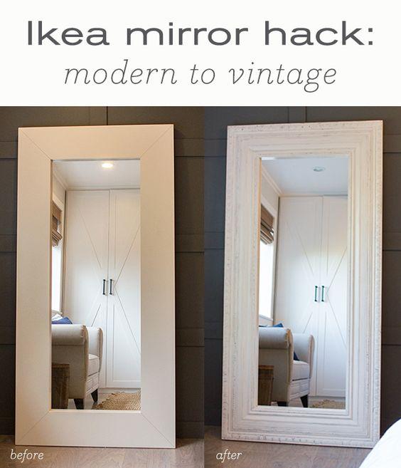 Espelho Ikea com moldes em madeira para look vintage.