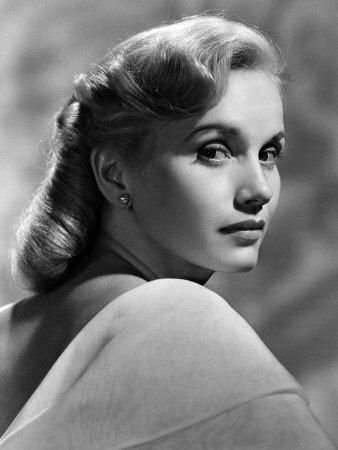 Eva Marie Saint - still lovely today because she knows how to age gracefully