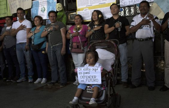 Guatemalans Demand Justice After Vice President Resigns Amid Corruption Scandal | VICE News