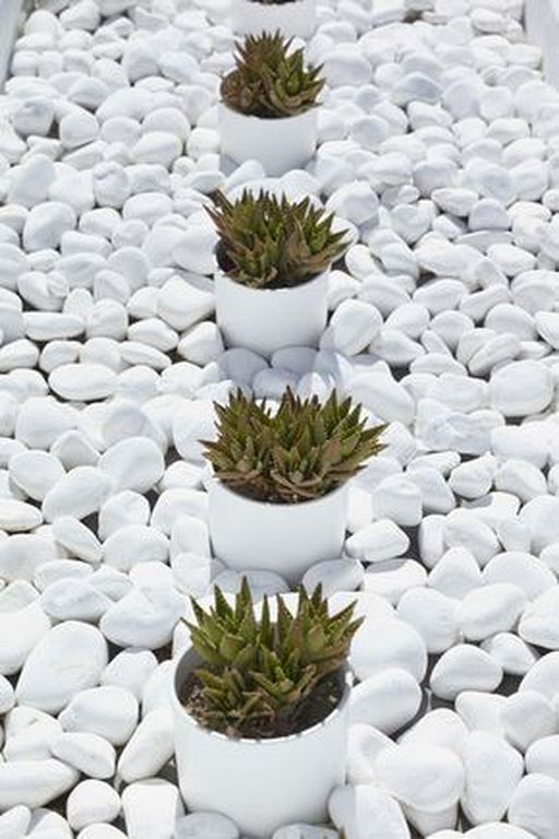 20 Modern White Stone Landscaping Ideas To Transform Your Yard