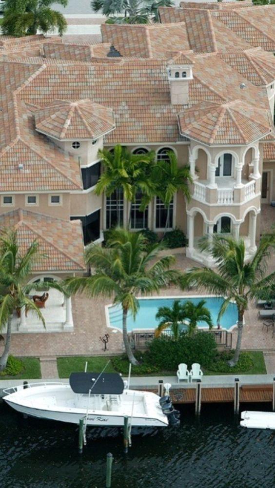 Luxury Mansion: