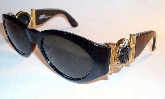 Versace Sunglasses (Men's Pre-owned Black Frame Gold Medusa Head Gianni Designer Sun Glasses)