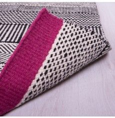 Geometric Reversible Wool Rug With a Fuchsia Accent