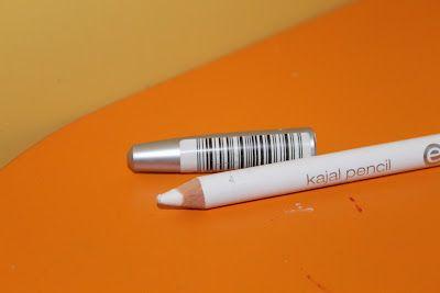 matita occhi bianco opaco usata come correttore per occhiaie