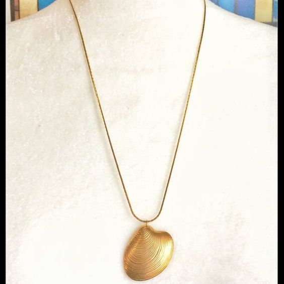 Gold Quahog Shell Pendant Chain Necklace Women's Gold Chain Shell Pendant Necklace New Handmade Item by vdboutique Anthropologie Jewelry Necklaces