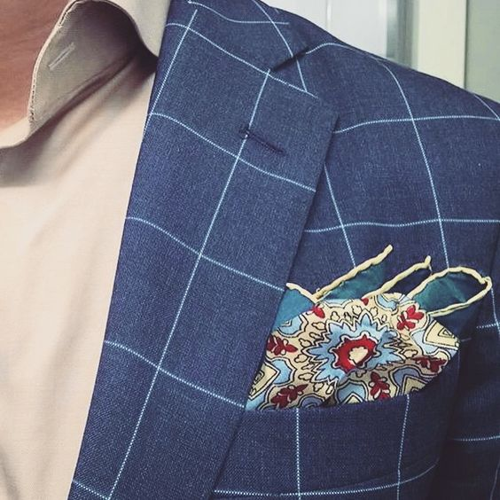 Regram from our customer @dapperlawyer, showing his wardrobe new entry: the @serafinesilk Magnolia Chianti. Check out the entire collection of handmade pocket squares at www.serafinesilk.com. Made in...