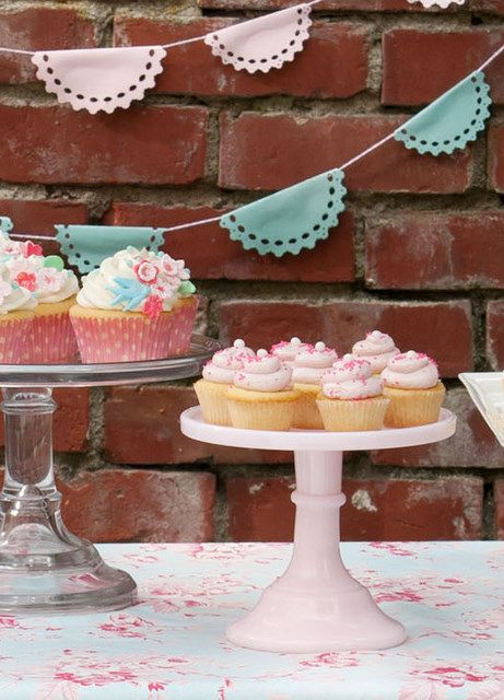 pink/blue bunting