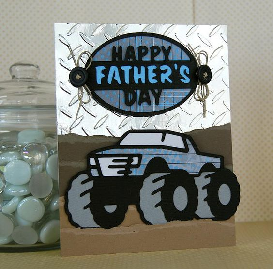 Create this Happy Father's Day card for your dad using the Father's Day Seasonal Cricut Cartridge!