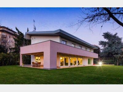 Modern einfamilienhaus von rubner haus ag hausxxl for Haus modern pultdach