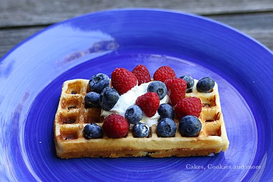 Cakes, Cookies and more: Gofres - luftige Waffeln mit Hefe