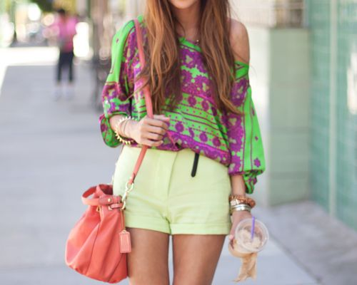 I wish I was brave enough to dress like this.. I absolutely love it :)