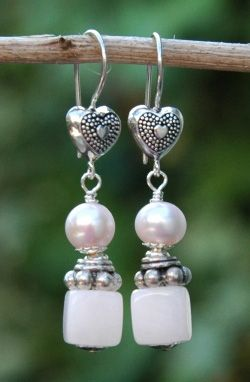 Echtsilber Ohrringe mit Zuchtperlen und Manganocalcit - earrings with pink freshwaterpearls and mangano calcite.