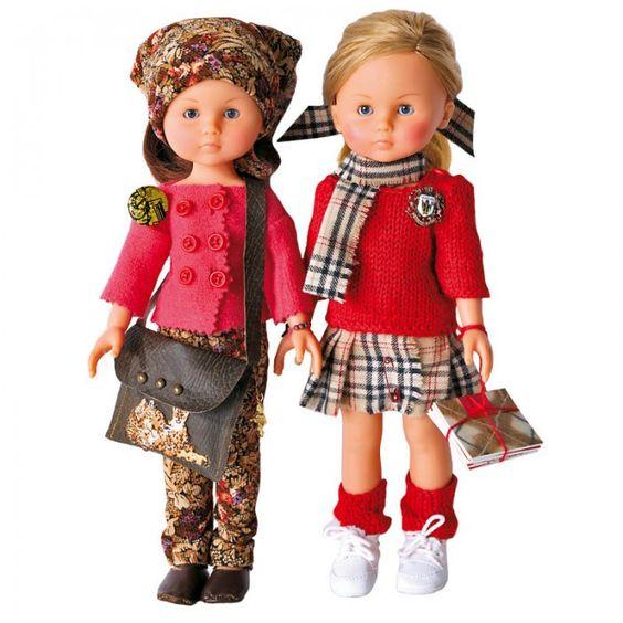 Des poupées en tenue d'automne