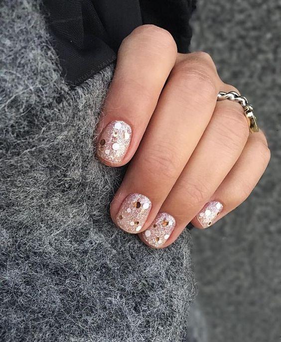 "nail art tutorials on instagram: @sarahkbecker on my highlight, ""nail tutorials"" Nail art, fall nail designs, constellation manicure, fall mani, nail polish, essie, opi"